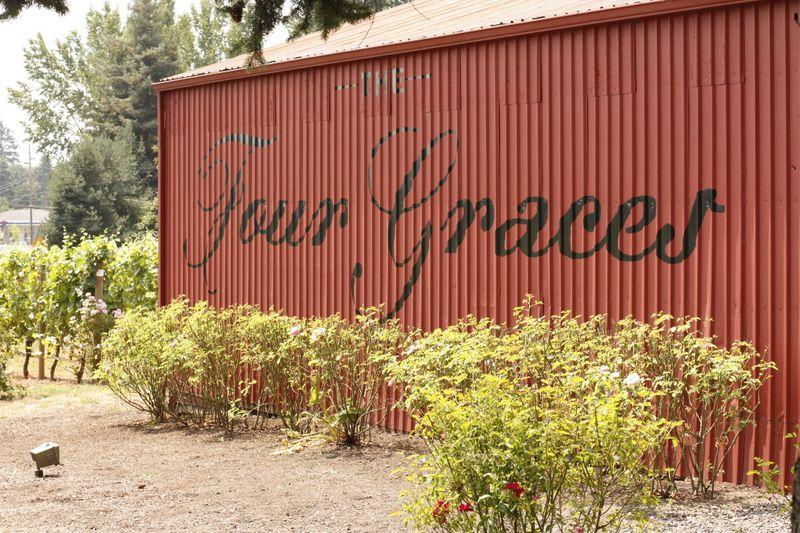 Four Graces 15