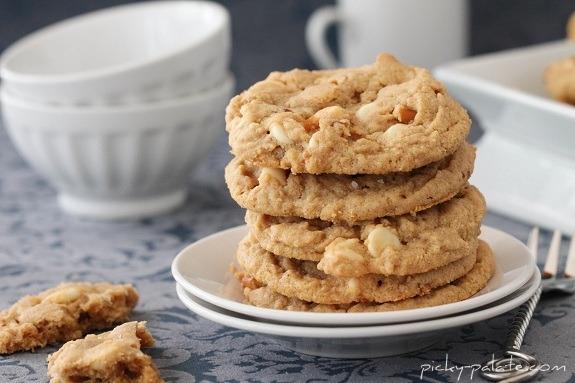 Double-White-Chocolate-Peanut-Butter-Pretzel-Cookies-7