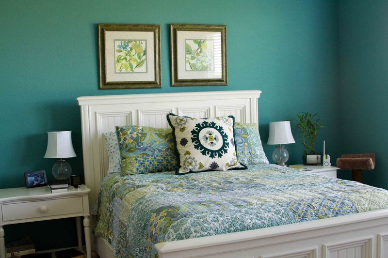 light cream bedroom with turquoise mint aqua and orange thelennoxx