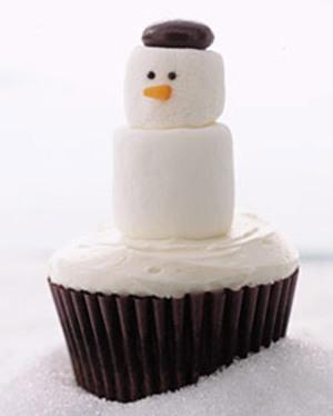 0306_kids_snowmancupcake_l1